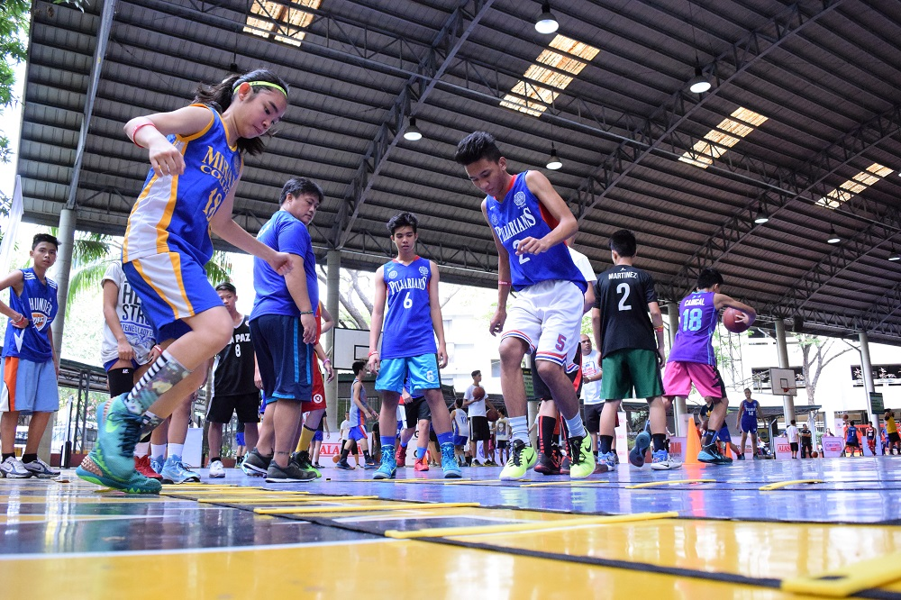 jr-nba-participants-work-on-their-agility-during-the-clinic