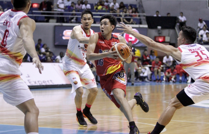 pba-rain-or-shine-phoenix-photos-1