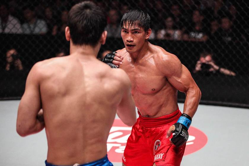 one-fc-eduard-folayang-lightweight-champion-ev-ting.jpg