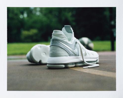 17-230_Nike_KDX_Single_0128-01_native_1600