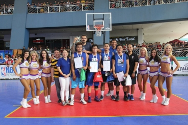 nba-3x-philippines-2017-steven-adams-reggie-theus-laker-girls-6